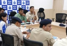 DIG-Irshad-Wali-and-collector-Sudama-Khade-meeting-in-the-police-control-room
