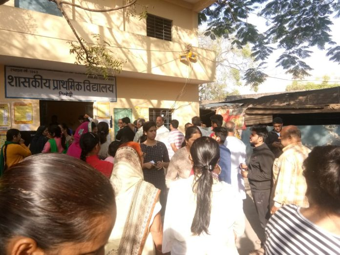 Indore-election-duty-officers-got-heart-attack