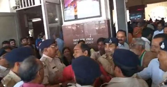 fir-against-congressmen-in-gwalior