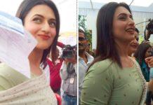 tv-actress-divyanka-tripathi-voting-in-bhopal-