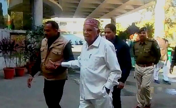 ex-cm-babulal-gaur-meeting-with-bjp-leader-in-party-office-bhopal