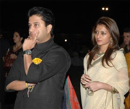 entry-in-politics-of-scindia-wife-from-guna-shivpuri-seat
