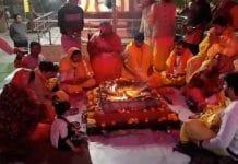 bjp-national-general-secretary-kailash-vijayvargiye-visit-temple--