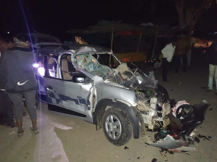 दर्दनाक सड़क हादसे में 5 लोगों की मौत, शादी से लौट रहा था परिवार