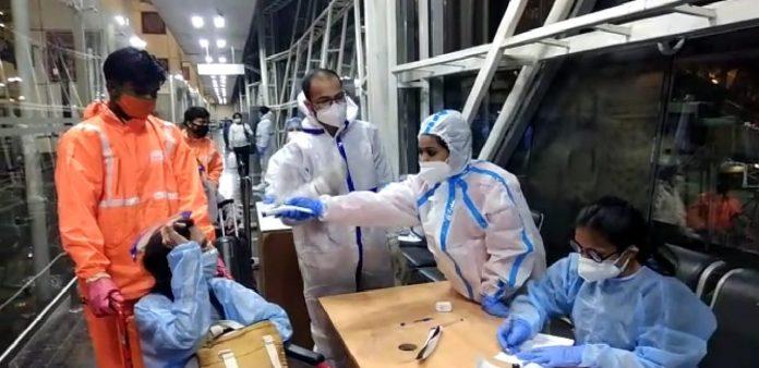 वंदे भारत मिशन के तहत रविवार रात आबूधाबी से 64 यात्री पहुंचे इंदौर, सभी क्वारेंटाइन
