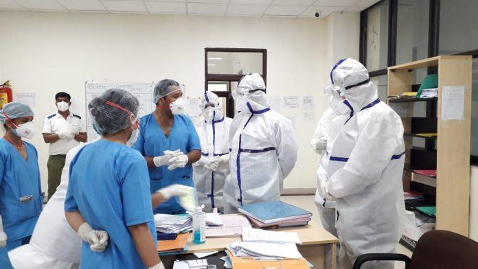 कलेक्टर ने अस्पताल पहुंच व्यवस्थाओं का जायजा लिया, कई दिनों से मिल रही थी शिकायतें