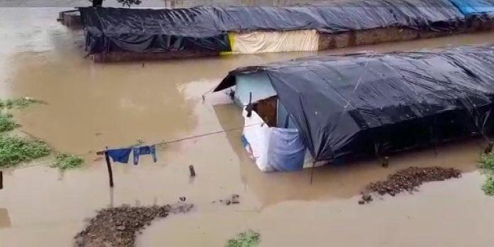 बारिश बनी मुसीबत, इस जिले की निचली बस्तियों में घुसा पानी