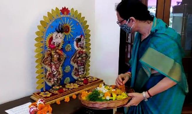 कृष्ण लीलाओं की झांकियों से सजा सीएम हाउस, परिवार संग कृष्ण जन्मोत्सव मनाएंगे सीएम शिवराज