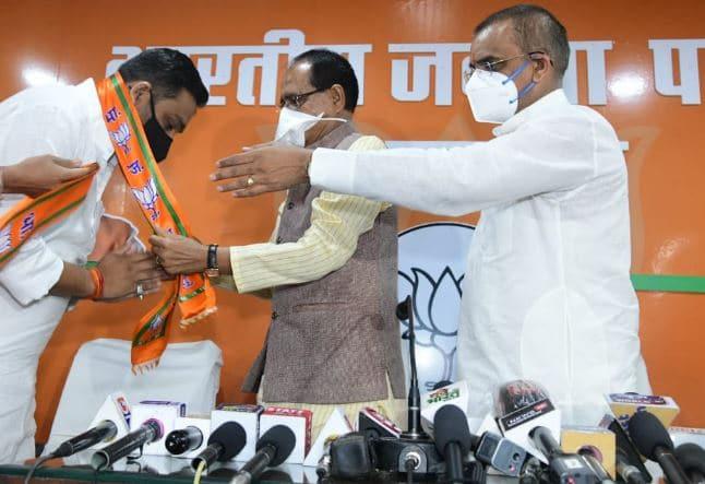 राहुल सिंह लोधी BJP में शामिल, ज्योतिरादित्य सिंधिया बोले- असत्य पर सत्य की जीत