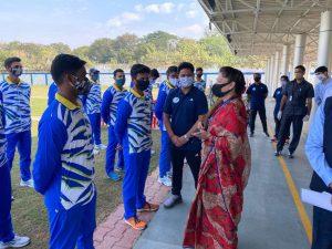 खेल युवा कल्याण मंत्री यशोधरा राजे सिंधिया पहुंची जबलपुर, रानीताल स्टेडियम का किया निरीक्षण, मीडिया से बनाई दूरी