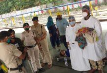 a-infant-deliver-in-train-hoshangabad