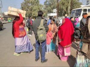 Bus Strike - बस ऑपरेटरों की हड़ताल, 150 प्राइवेट बसों के पहिये थमे, यात्री हो रहे परेशान