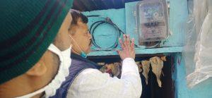 झुग्गी में एक बल्व, बिल आया 13,731 रुपये, मंत्री की फटकार लगते ही हुआ 212 रुपये