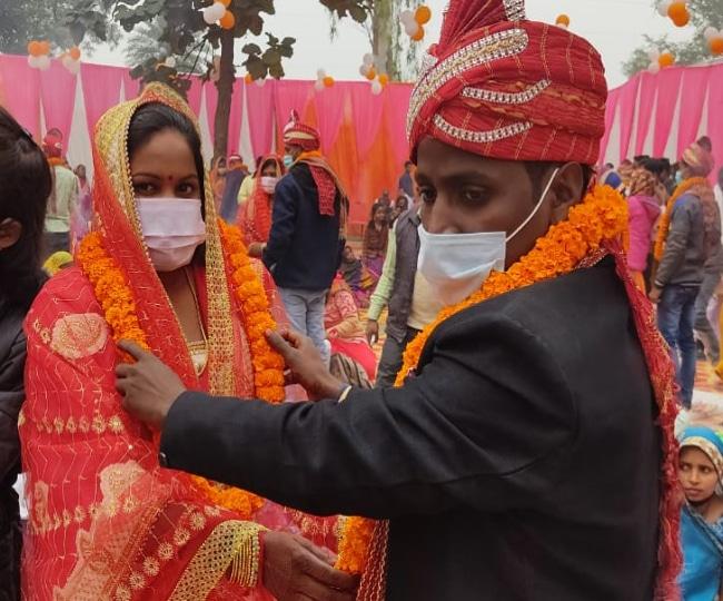 अनोखी शादी : यहां एक ही मंडप में मां-बेटी ने लिए सात फेरे, जानिये पूरा मामला