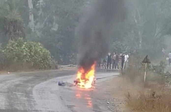 दिल दहला देने वाली घटना : स्कूल जा रही टीचर पर गिरा बिजली का तार, स्कूटी सहित ज़िंदा जली