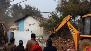 भूमाफिया शेखर सोनकरपर शिकंजा, 2 करोड़ रुपये कीमतका अवैध निर्माण जमींदोज