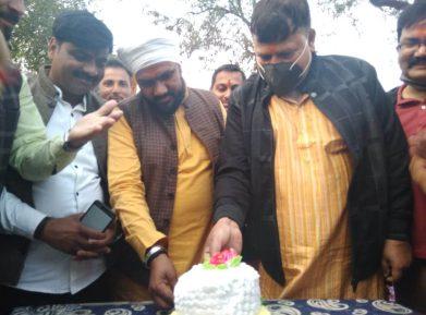 कुछ ऐसे मना सिंधिया का 50वां जन्म दिन, ऊर्जा मंत्री ने भी सेलिब्रेट किया अपना BIRTHDAY