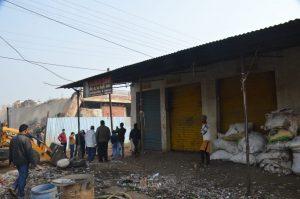 Jabalpur News: अवैध निर्माण पर चला बुलडोजर, पुलिस और निगम प्रशासन की संयुक्त कार्रवाई