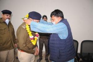 Gwalior news- पुलिस कंट्रोल रूम पहुंचे ऊर्जा मंत्री, पुलिसकर्मियों का किया सम्मान