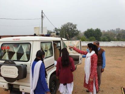 छतरपुर : दो होनहार छात्राओं ने दिन भर एसडीएम के साथ देखी प्रशासनिक गतिविधियां