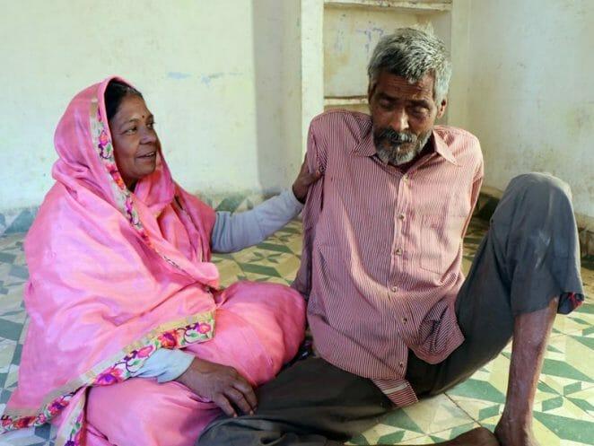 इंदौर में बुजुर्गों से अमानवीयता वाले वीडियो के जरिए एक महिला को मिला अपना खोया हुआ पति