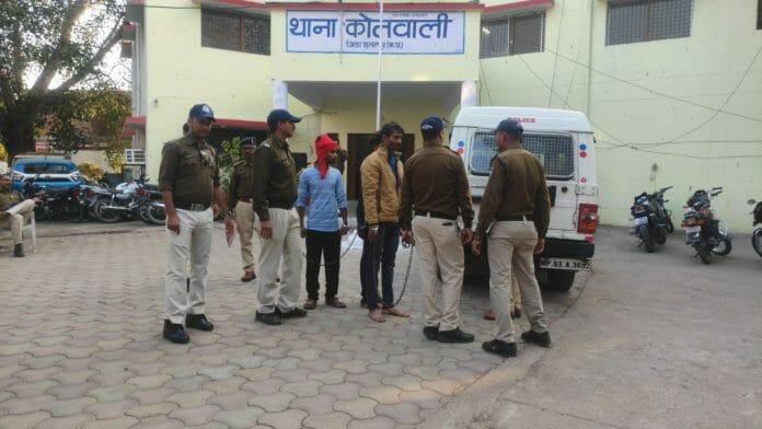पुलिस के हत्थे चढ़ा यूपी का गैंगस्टर, अजय परिहार दो साथियों के साथ गिरफ्तार
