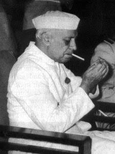 नेहरू की सिगरेट 555 पर उलझे भाजपा और कांग्रेस, एक दूसरे पर कसे तंज