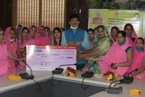 महिला दिवस : शिवराज ने 53 महिला स्व-सहायता समूहों के खातों में पहुंचाए 53 लाख
