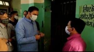 Gwalior : मैनेजर पर भड़के प्रवीण पाठक, बोले- जब पब्लिक पीटेगी तब समझ आएगा