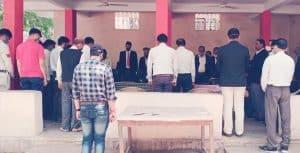 Mungaoli में अभिभाषक संघ ने नक्सली हमले में शहीद हुए सैनिकों को दी श्रद्धांजलि, कड़ी कार्रवाई की मांग की