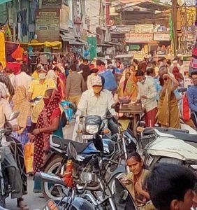 देवास बाजार में लॉकडाउन के पहले मची अफरा-तफरी