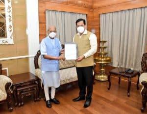 हेमंत बिस्वा सरमा होंगे असम के नए मुख्यमंत्री, सर्वानंद सोनोवाल ने सौंपा इस्तीफा
