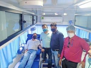 समाजसेवियों ने विश्व पर्यावरण दिवस पर किया वृक्षारोपण, रक्तदान शिविर का भी आयोजन