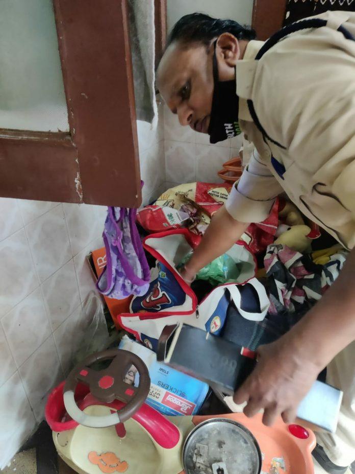 Indore News: 5 मौतों के बाद खुली आबकारी विभाग की कुम्भकर्णी नींद, लाखों की शराब बरामद
