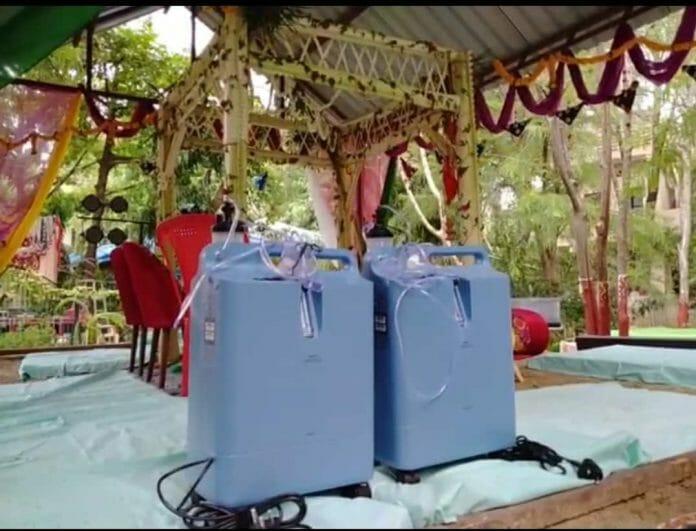 Ujjain : अनोखी शादी, दूल्हा-दुल्हन को उपहार में दी ऑक्सीजन कंसंट्रेटर मशीन, 8 वचन लिए