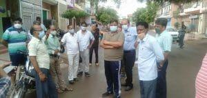 लापरवाही पर भड़के निगम कमिश्नर, सफाई दरोगा निलंबित, क्षेत्र अधिकारी को नोटिस