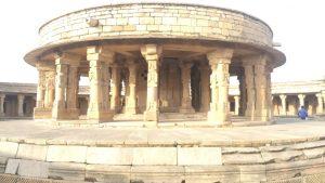 संसद के आकार का एक ऐसा मंदिर जिसकी वास्तुकला देखकर आप भी हो जाएंगे दंग!