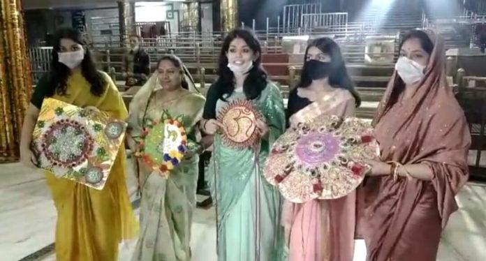 Ujjain News: बाबा महाकाल को बांधी सबसे पहले राखी, 21 हजार लड्डुओं का महाभोग