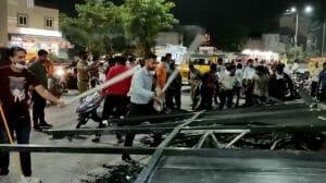 Indore News: हॉस्पिटल का एलीवेशन सड़क पर गिरा, बड़ा हादसा टला