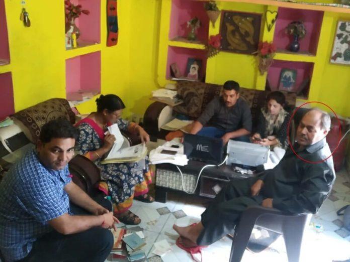 Tikamgarh News: लोकायुक्त की बड़ी कार्रवाई, करोड़ों का आसामी निकला सहायक समिति प्रबंधक