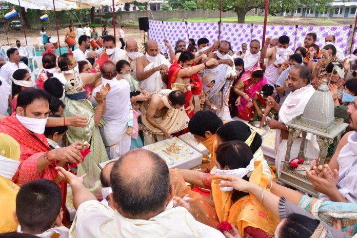 विश्व प्रसिद्ध जैन तीर्थ लक्ष्मणी मंदिर का जीर्णोद्धार,प्रथम शिलाएं स्थापित