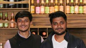 IAS की पढ़ाई छोड़ बना चाय वाला, आज है 100 करोड़ का मालिक, जानिए अनुभव दुबे की कहानी