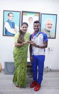 मध्य प्रदेश के गौरव Vivek Sagar पहुंचे भोपाल, खेल मंत्री ने किया स्वागत, CM Shivraj ने दी बधाई
