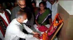 पैतृक निवास पर पुष्पांजलि अर्पित कर बोले भाजपा नेता, अटल जी के काम को आगे बढ़ा रहे मोदी