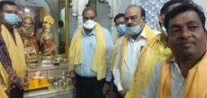 जन्माष्टमी: 100 करोड़ के मोती, माणिक,पन्ने,गहनों से सजे श्री राधा कृष्ण! सुरक्षा के कड़े इंतजाम