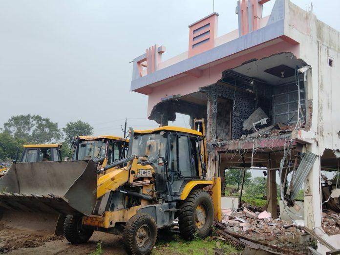 Khandwa Kalka collapsed