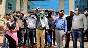 """Gwalior News : पटवारियों ने तहसील में जमा किये """"बस्ते"""", कलेक्ट्रेट पर किया प्रदर्शन"""