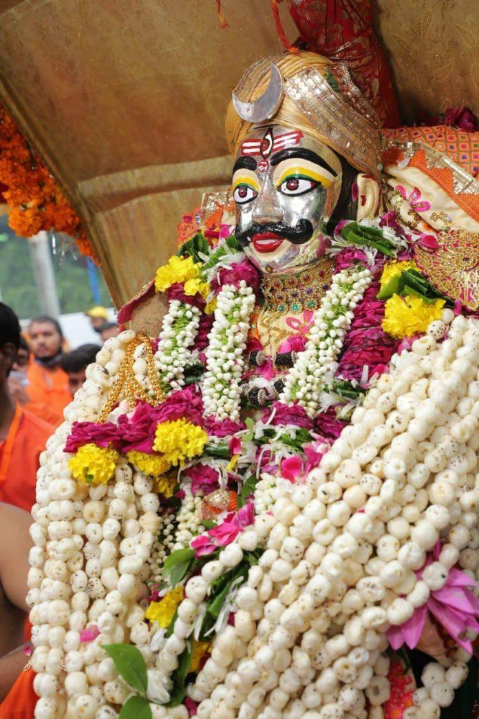 Ujjain : भगवान श्री महाकालेश्वर की तीसरी सवारी निकली, कलेक्टर ने किया पूजन