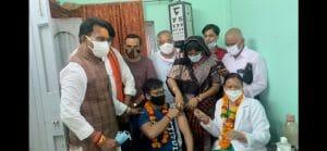 वैक्सीनेशन महाअभियान: तुलसी सिलावट और इमरती देवी ने लिया जायज़ा, दिग्विजय सिंह पर किया पलटवार