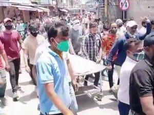 Gwalior News: शव को रखकर चक्काजाम, 4-4 लाख मुआवजे की घोषणा, होगी अनुकम्पा नियुक्ति